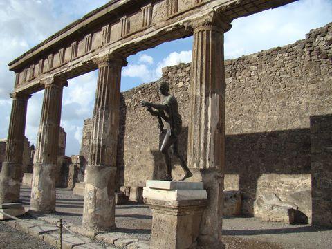 podloubí Apollónova chrámu