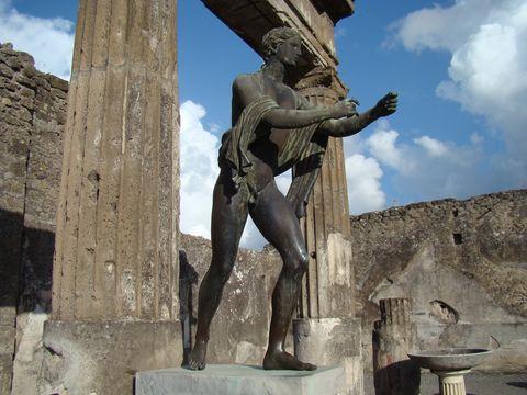 Apollónova socha