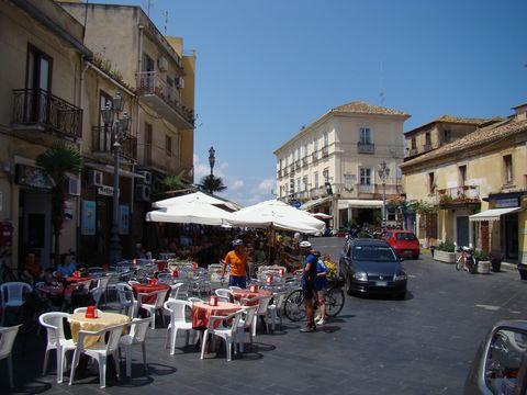 náměstí ve starobylém Pizzo
