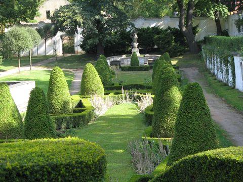Knízecí zahrada u duchcovského zámku