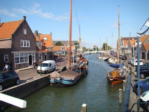 cestou k přístavu v Monnickendamu