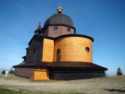 zadní část kostela sv. Cyrila a Metoděje