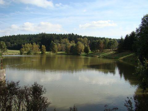 rybník v údolí Hostinky