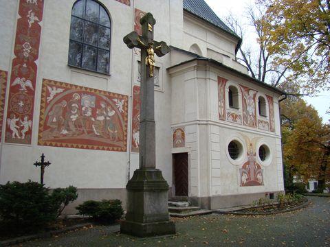 sgrafitová výzdoba kostela v Novém Městě