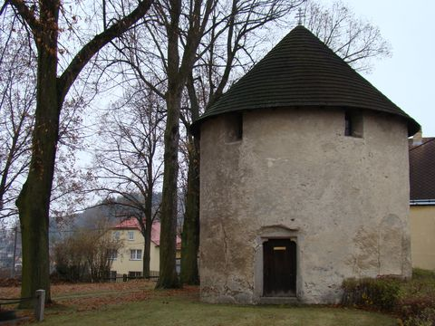 rotunda ve Stonařově 1