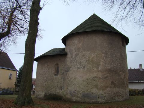 rotunda ve Stonařově 2
