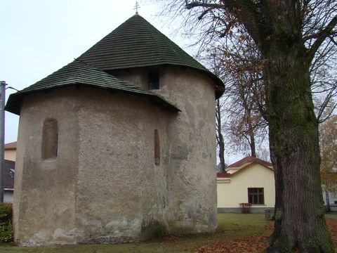 rotunda ve Stonařově 3
