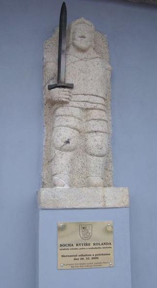 socha rytíře Rolanda ve Stonařově