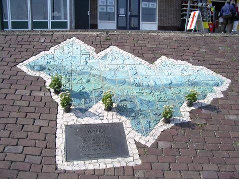 památník uhořelým na diskotéce ve Volendamu 1.1.2001