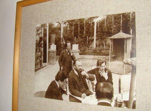GM se svými přáteli (uprostřed S. Freud)