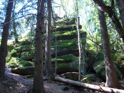 skalní útvary charakteristické pro tuto oblast
