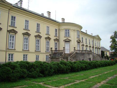 zahradní průčelí zámku