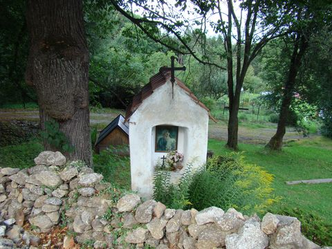 u původního pramene byla postavena na Vilémově hoře kaplička