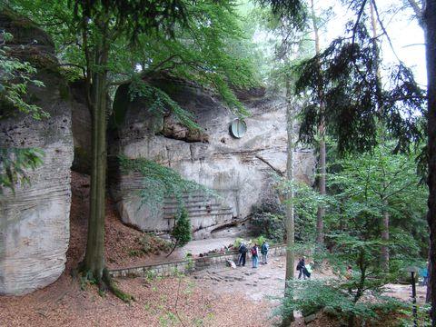 symbolický hřbitov horolezců blízko Mariánské vyhlídky