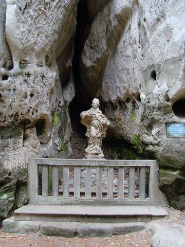 socha sv. Prokopa u Dračích skal je z 2. pol. 18. století