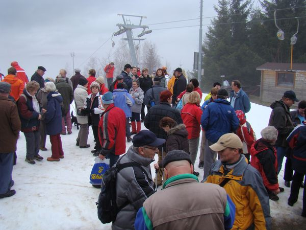 turisté se scházejí na Sacberku