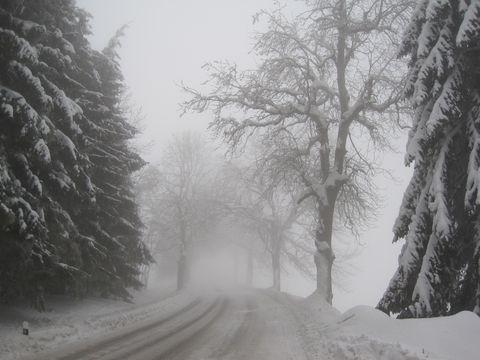 silnice ke Studnicím