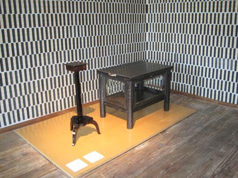 rozkládací barový stolek