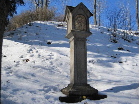 cestou ke hřbitovu
