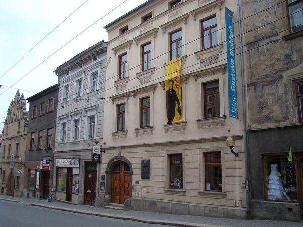 domy č. 4 a 6 ve Znojemské ulici