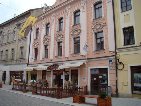 dům v Beneąově ulici, kde měl Bernard Mahler pronajatý výčep