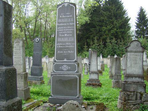 hrod rodičů G.Mahlera na zidovském hřbitově