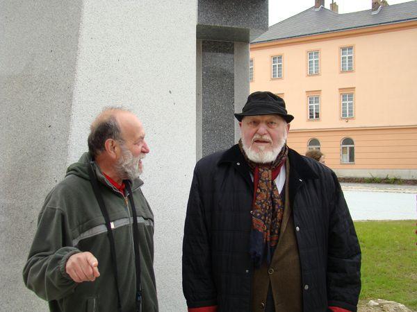 sochař Jan Koblasa s Josefem Poukarem