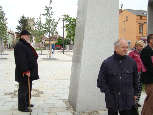 sochař Jan Koblasa s Dr. Ivanem Zlůvou