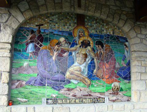 jedna z mozaik křízové cesty