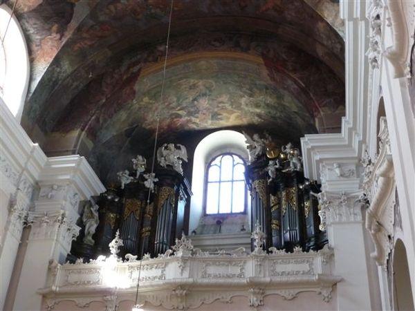 varhany u sv. Ignáce