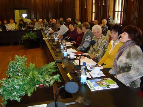 turisté v zasedacím sále jihlavské radnice