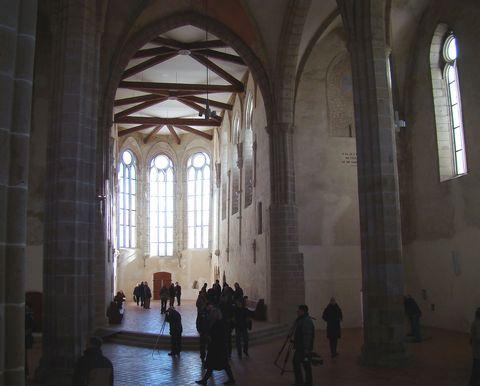po dvou stech letech byla odstraněna zeď dělící trojlodí od presbytáře