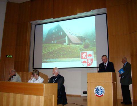 delegáti se dozvídají, proč byl OKČT Čeřínek zařazen do Síně slávy