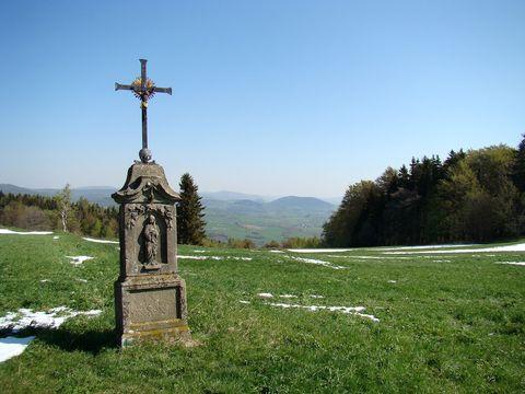 kříž na hřebeni