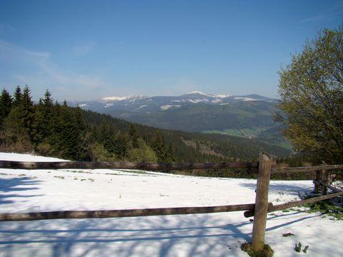 výhled na Sněžku a ostatní krkonošské vrcholy