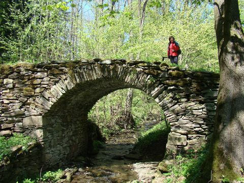 kamenný most v bývalých Sklenářovicích