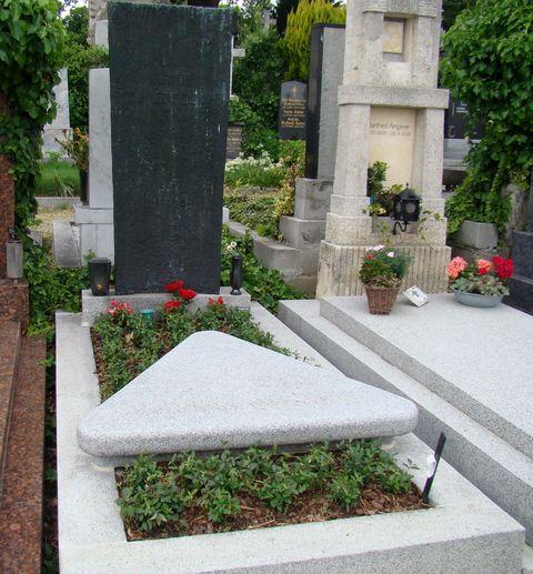 hrob Almy a její dcery Manon