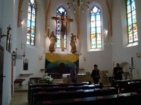 farní kostel sv. Kříže v Grinzingu