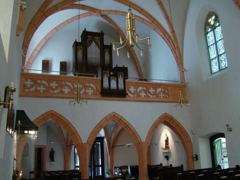 kostel v Grinzingu
