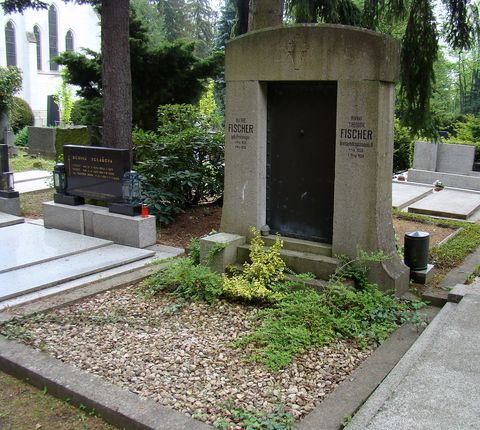 hrob Theodora Fischera na jihlavském katolickém hřbitově