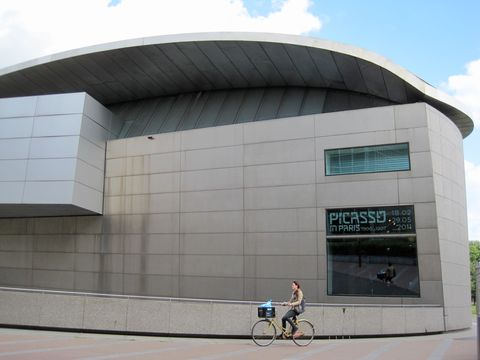 druhá budova muzea van Gogha
