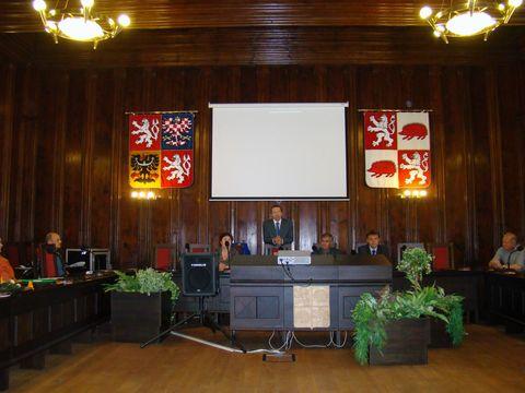 sál zastupitelů na jihlavské radnici