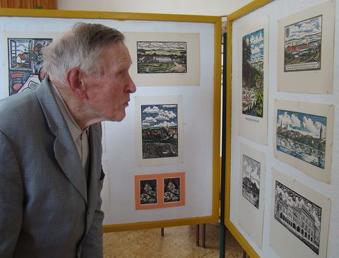 pan Florian si pečlivě prohlédl celou výstavu
