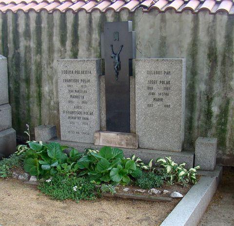 hrob rodiny Polákových