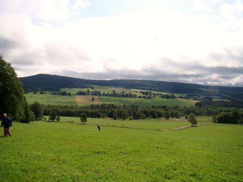 pohled ze svahů Janské hory na Nový Svět