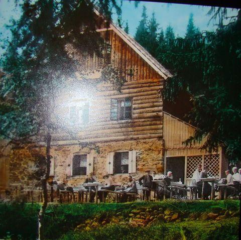 chata u pramene Vltavy v roce 1923