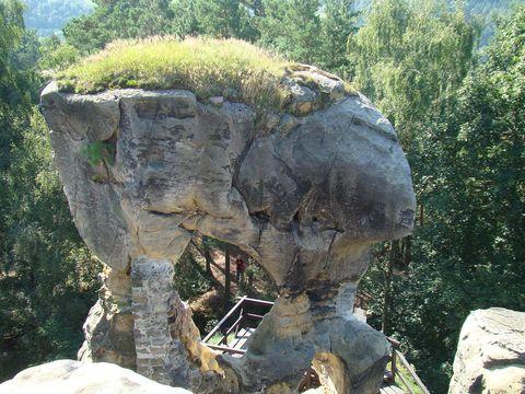 zbytky hradu Rotštejna