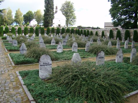hroby účastnic pochodu smrti