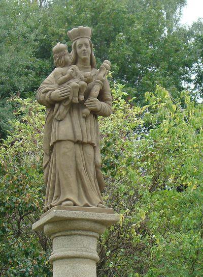 socha Panny Marie na Skalce