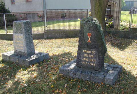 památníky v Draženově